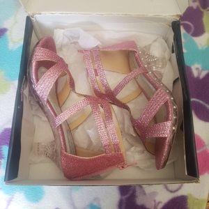Beautiful shoes! 💕